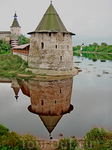 Башни Псковского Кремля.