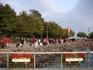 В день моего приезда на набережной происходил какой-то фестиваль, все присутствующие были одеты в красное и черное, и были чрезвычайно возбуждены