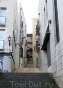 Город очень уютный, не похожий на города Кастилий, которые я видела раньше. И уж, конечно, совсем не похож на Мадрид.